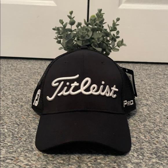 Titleist Pro V1 Men's hat